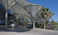800px-Split_Airport_terminal-800
